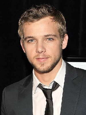 Max_thieriot2