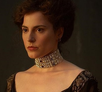 Woman_in_gold_antje_traue